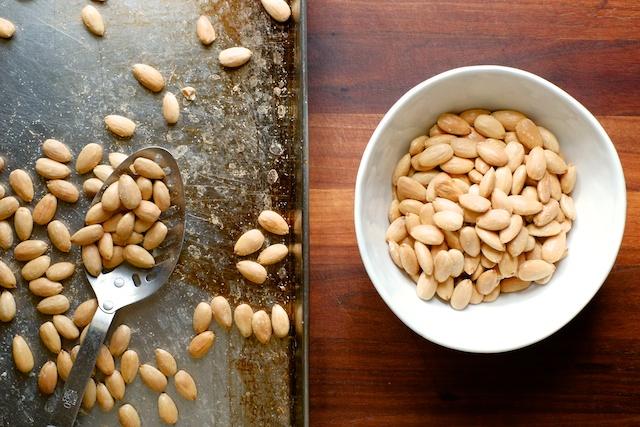 naked roasted almonds