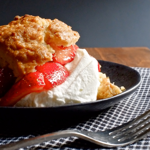 scones with strawberries and cream