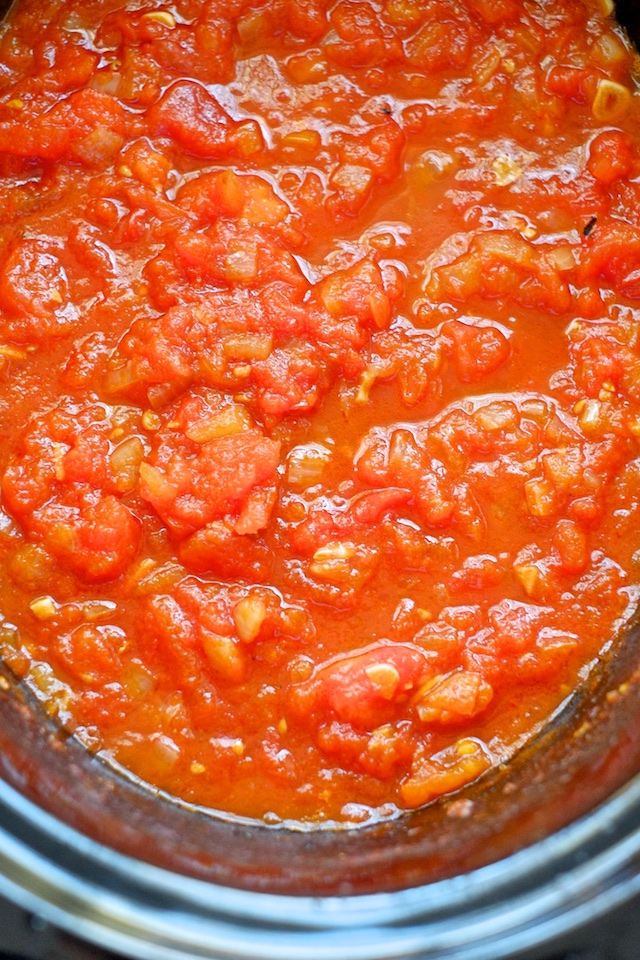 Slow-Cooker Summer Tomato Sauce